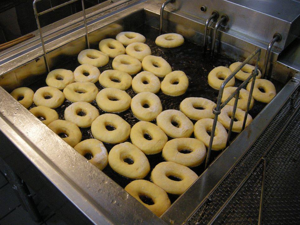 Auf Adam Richmans kulinarischen Reise durch die USA dreht sich dieses Mal alles um knusprige, knackige und frittierte Leckerbissen ... - Bildquelle: 2008, The Travel Channel, L.L.C.
