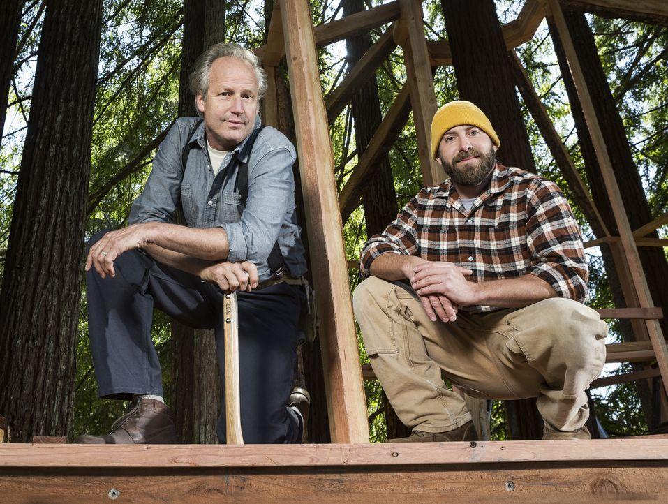 """Sie erfüllen jeden noch so verrückten Baumhaus-Traum: Treehouse Guys James """"B'fer"""" Roth (l.) und Chris """"Ka-V"""" Haake (r.) ... - Bildquelle: 2015, DIY Network/Scripps Networks, LLC. All Rights Reserved."""