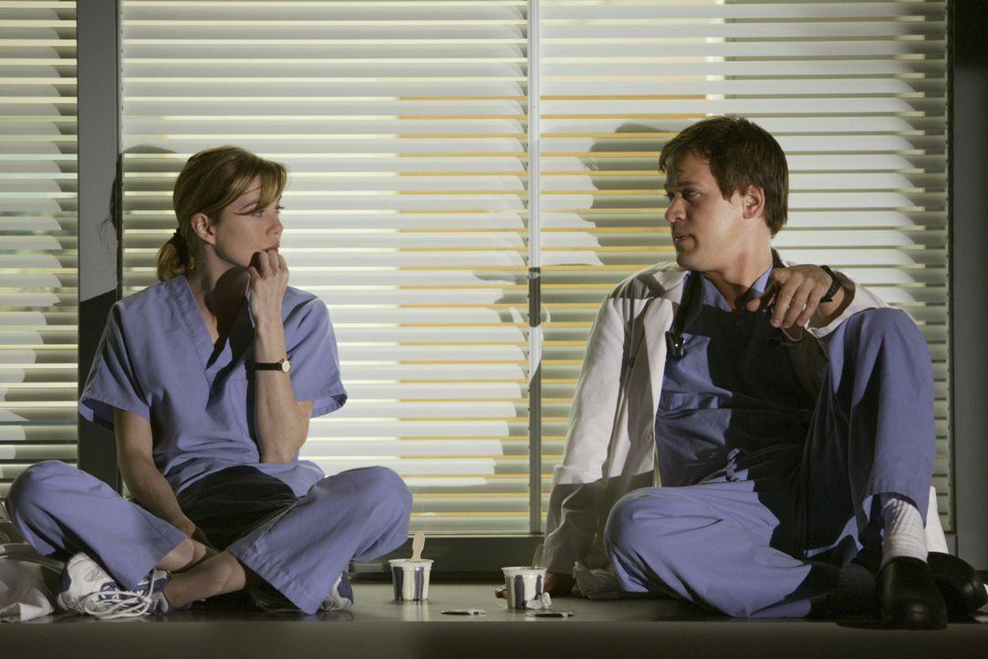 Die erste 48-Stunden-Schicht als Assistenzärzte wartet auf Meredith Grey (Ellen Pompeo, l.) und George O'Malley (T.R. Knight, r.) ... - Bildquelle: Touchstone Television