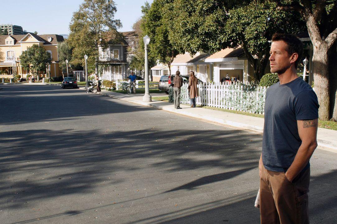 Mike (James Denton) sucht eine Hypnosetherapeutin auf, um endlich die Lücken in seinem Gedächtnis zu füllen ... - Bildquelle: 2005 Touchstone Television  All Rights Reserved