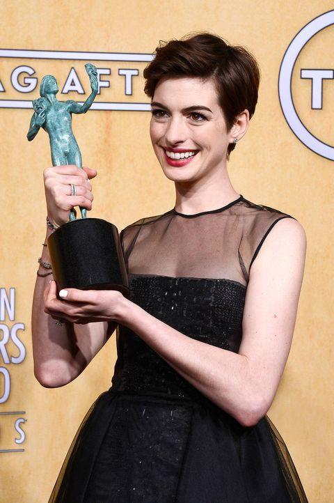 screen-actors-guild-awards-anne-hathaway-13-01-27-getty-afpjpg 1395 x 2100 - Bildquelle: getty-AFP