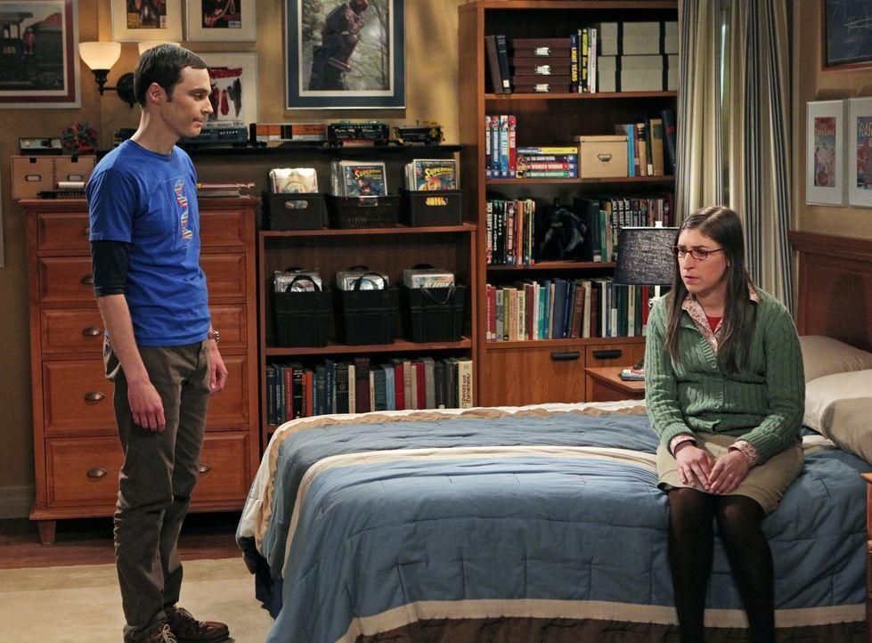Ihre Beziehung nimmt eine unerwartete Wendung: Sheldon (Jim Parsons, l.) und Amy (Mayim Bialik, r.) ... - Bildquelle: Warner Bros. Television
