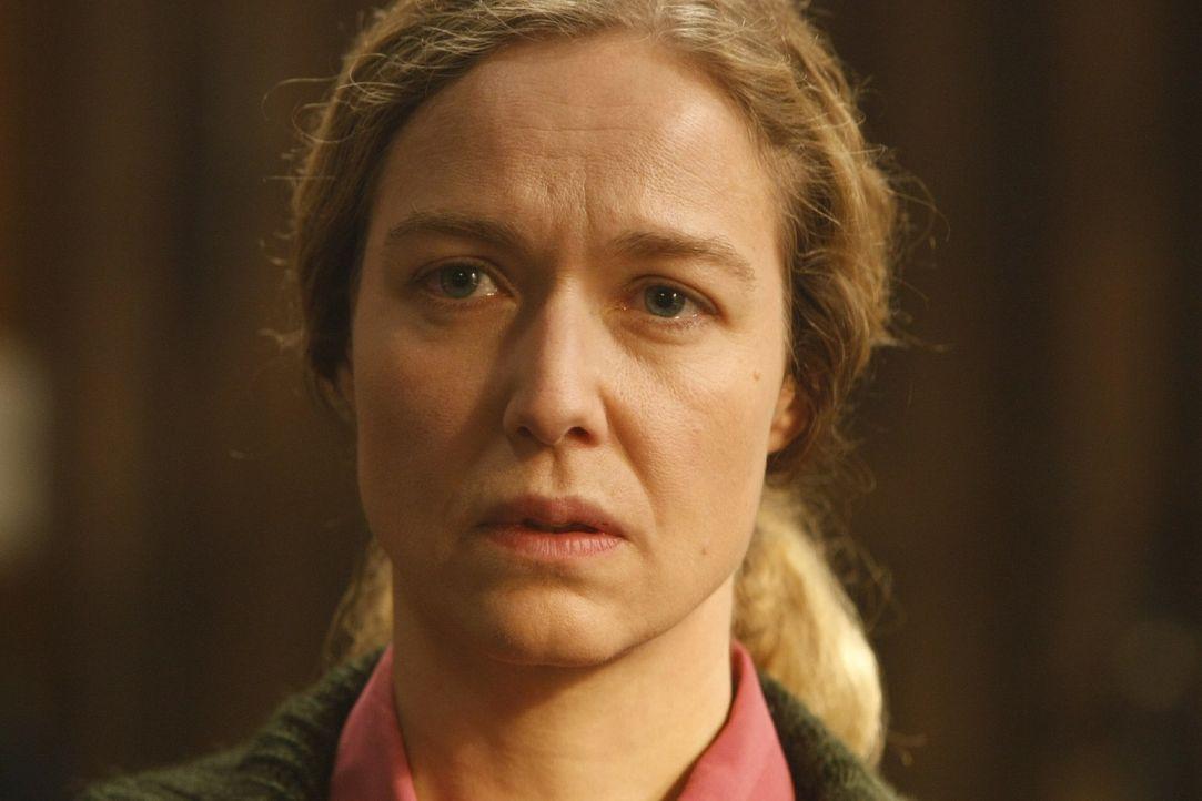 Beschuldigt Dannis Mandanten der Vergewaltigung: Frau Hagen (Charlotte Crome) ... - Bildquelle: Frank Dicks SAT.1