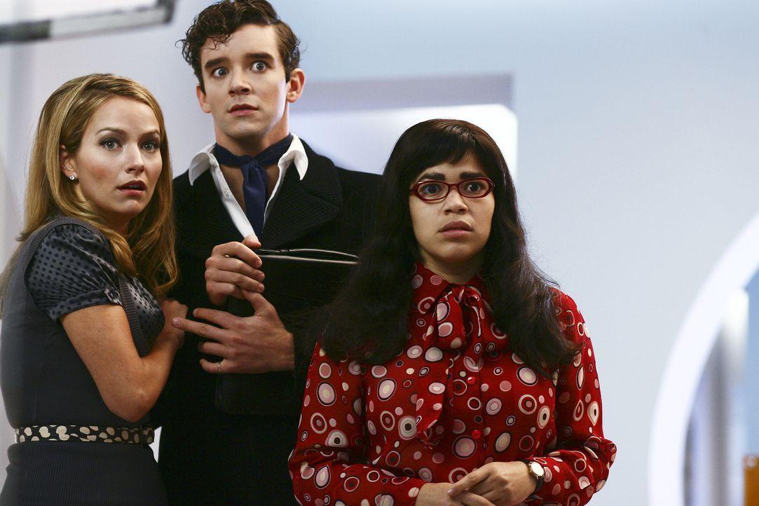 """Haben Angst, da sich alle drei hinreißen lassen, dem attraktiven Carlo Medina von """"Isabella"""" ein wenig über die geplante Fotostrecke zu verraten: Am... - Bildquelle: Buena Vista International Television"""