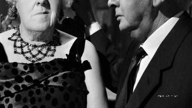 Gemeinsam mit ihrem Freund Stringer (Stringer Davis, r.) ist Miss Marple (Mar...