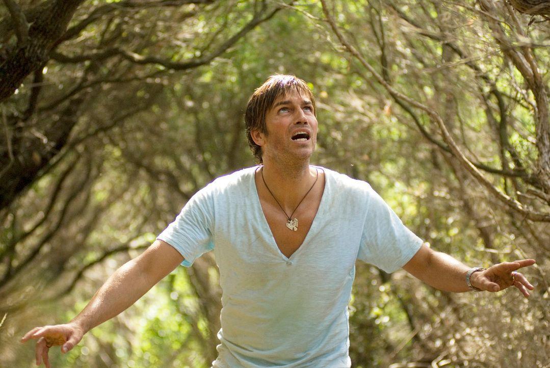 Erst sehr spät wird Peter (James Caviezel) klar, dass er einen tödlichen Feind hat: die Natur ... - Bildquelle: Arclight Films
