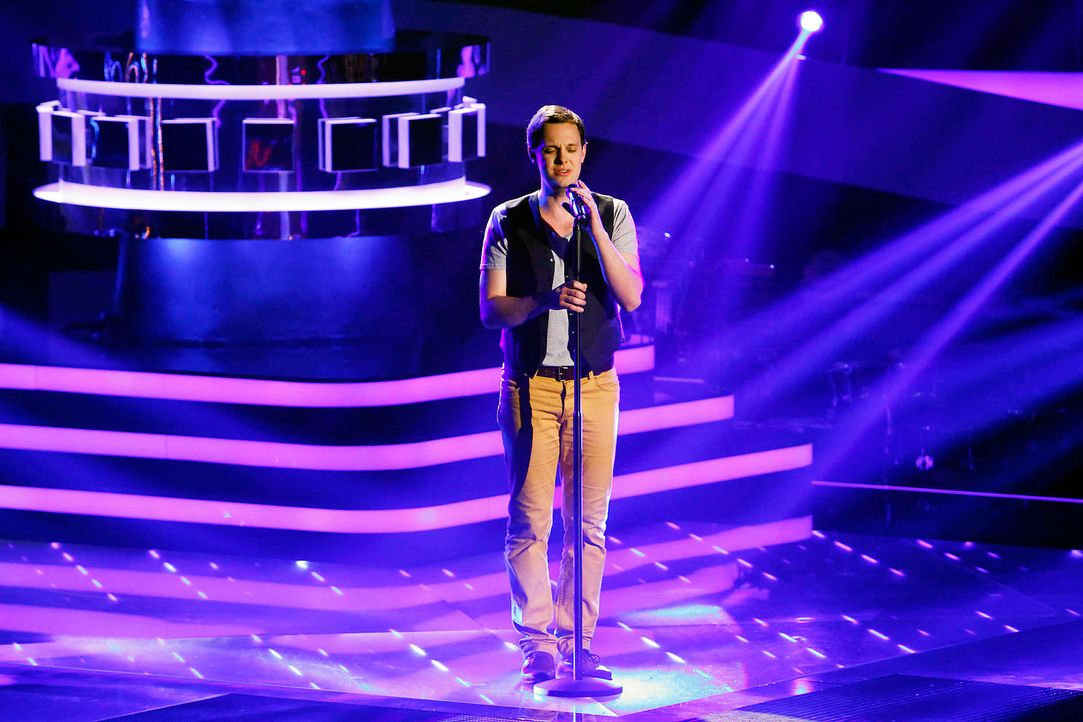 jonas-01-the-voice-of-germany-staffel-2-epi05-showjpg 2100 x 1400 - Bildquelle: SAT.1/ProSieben/Richard Hübner
