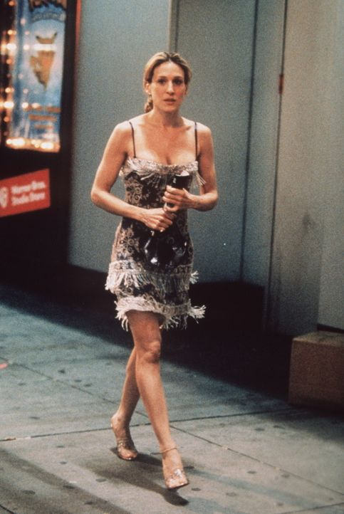 Carrie (Sarah Jessica Parker) kommt eindeutig zu spät zur Oper ... - Bildquelle: Paramount Pictures