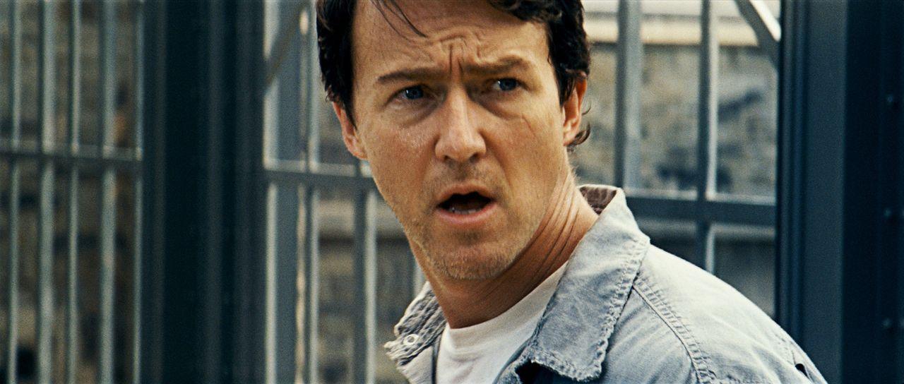 Eigentlich ist Bruce Banner (Edward Norton) ein ganz normaler Durchschnittswissenschaftler. Wären da nicht seine Wutanfälle, in denen er sich in e... - Bildquelle: 2008 Marvel Entertainment, Inc. And ist subsidiaries. All Rights Reserved.