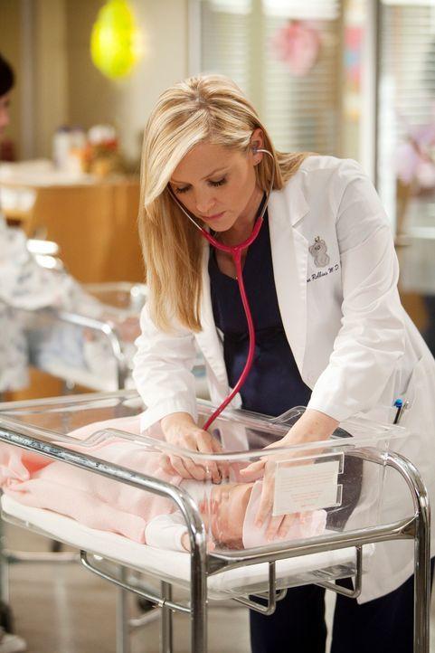 Ermutigt ihren alten Freund Nick zu einer Operation: Arizona (Jessica Capshaw) ... - Bildquelle: Touchstone Television