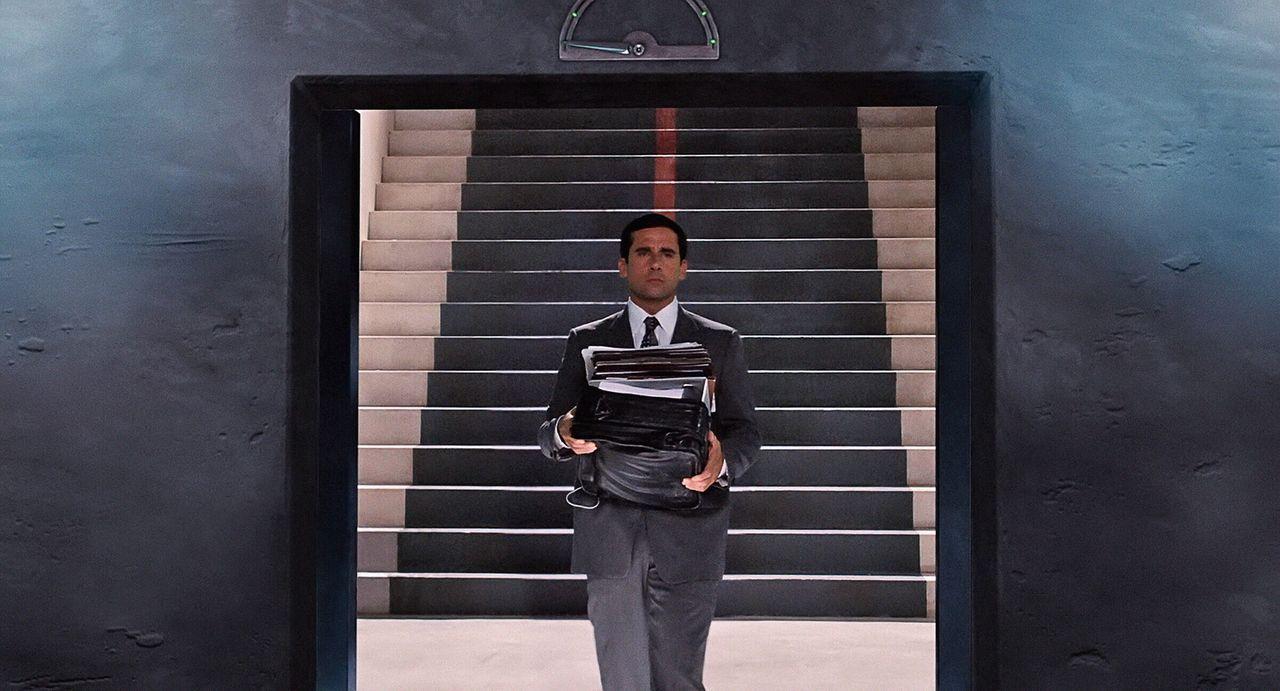 Als Analytiker ist er hervorragend, als Geheimagent allerdings völlig unerfahren: Eines Tages geht Maxwell Smarts (Steve Carell) sehnlichster Wunsch... - Bildquelle: Warner Brothers