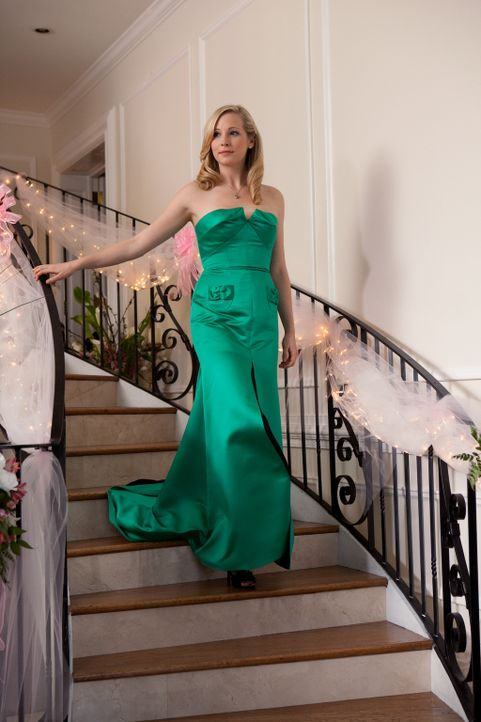 Jetzt ist endlich der Moment gekommen, auf den Caroline (Candice Accola) so lange hingearbeitet hat ... - Bildquelle: Warner Bros. Television