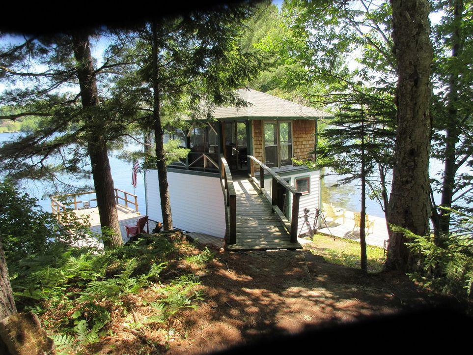 Ramona, Bill und ihre Tochter Rachel träumen von einem Haus am See für maxim... - Bildquelle: 2016,HGTV/Scripps Networks, LLC. All Rights Reserved