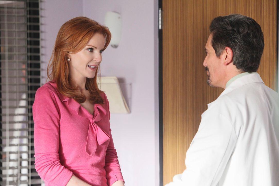 Nachdem sich Bree (Marcia Cross, l.) und Karl im Krankenhaus geküsst haben und Julie kurz die Augen geöffnet hat, ist Bree beunruhig, dass es jemand... - Bildquelle: ABC Studios