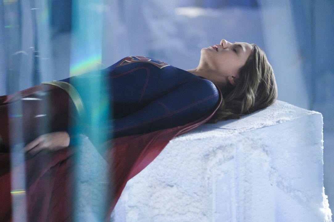 Neben Rhea hat Supergirl (Melissa Benoist) auch mit der Rückkehr von Superman zu kämpfen ... - Bildquelle: 2016 Warner Brothers