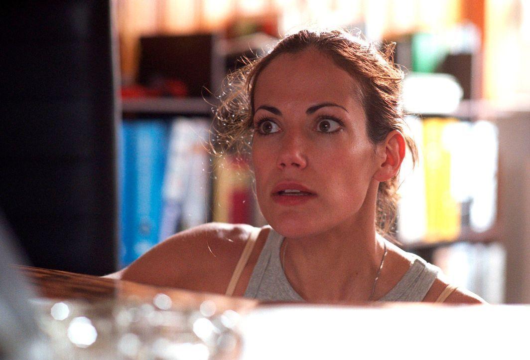 In dem ehemaligen Grenzort ist Johanna (Bettina Zimmermann) einer Geschichte aus der Vorwendezeit auf der Spur und lässt sich bei ihren Recherchen v... - Bildquelle: Stefan Erhard Sat.1