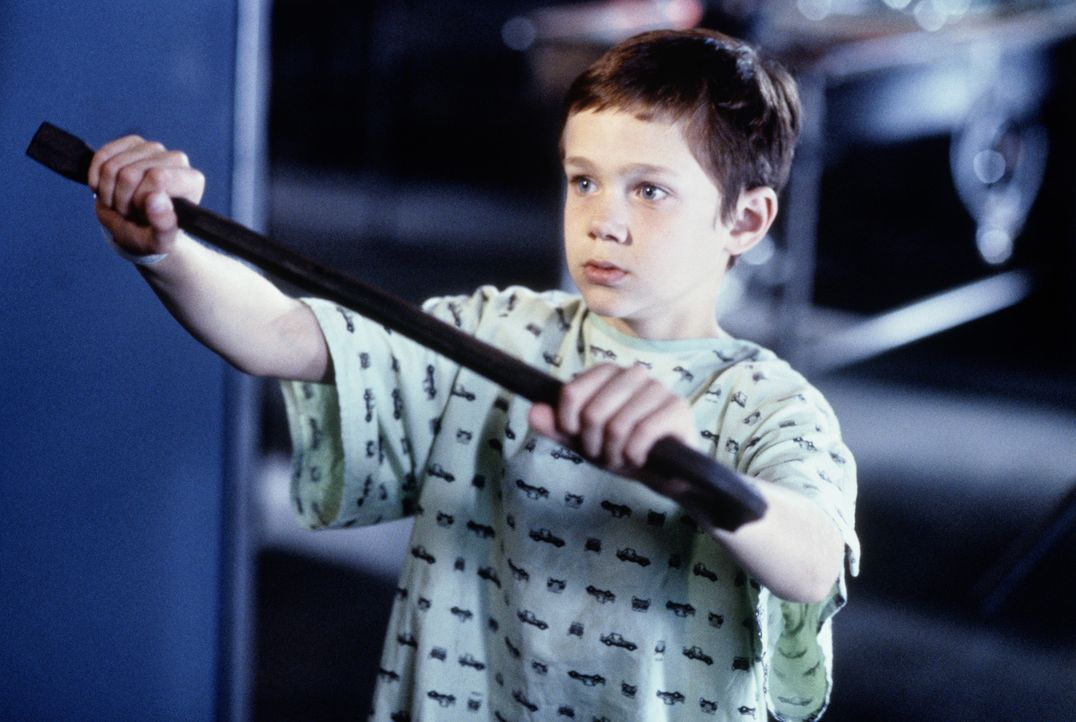 Der todkranke Matthew Conner (Joseph Cross) braucht dringend eine Knochenmarkspende. Ausgerechnet die DNA des brutalen Mörders Peter McCabe passt g... - Bildquelle: Sony Pictures Television International. All Rights Reserved.