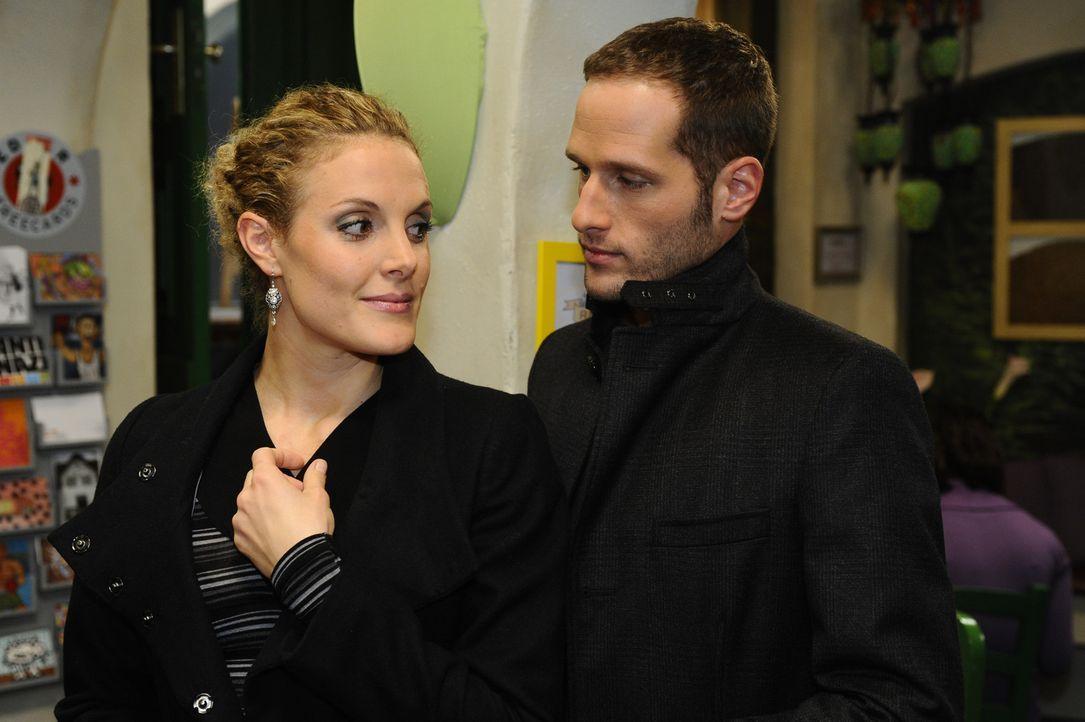 Während Lily nur schwer damit zu recht kommt, dass Lars ein neues Leben ohne sie beginnt, freut sich Maja (Barbara Lanz, l.) auf eine Verabredung m... - Bildquelle: SAT.1