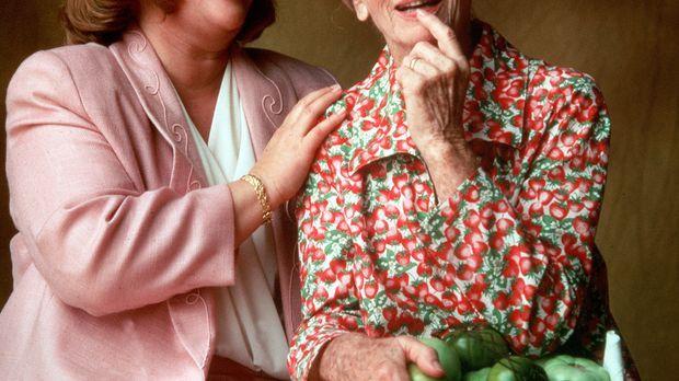 Evelyn (Kathy Bates, l.), eine Hausfrau ohne Selbstbewusstsein, führt eine un...