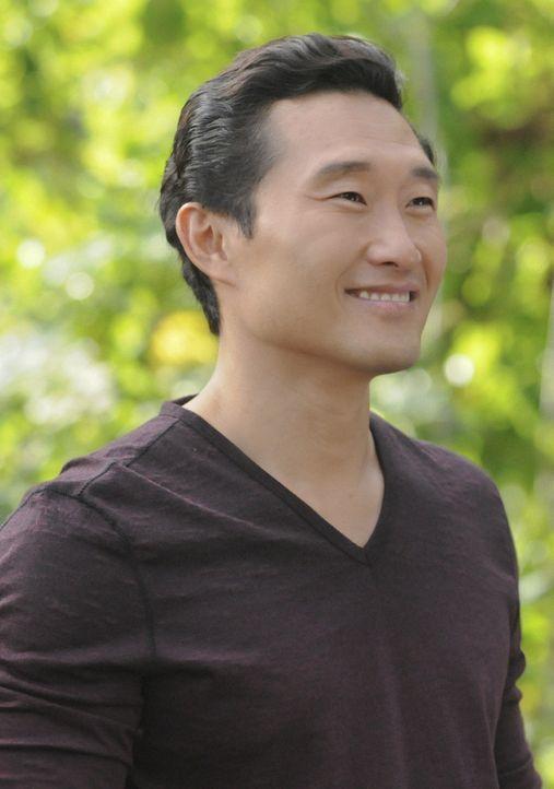 Bittet seinen Onkel um Hilfe, um einen neuen Fall lösen zu können: Chin (Daniel Dae Kim) ... - Bildquelle: 2012 CBS Broadcasting, Inc. All Rights Reserved.