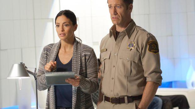 Wird es Lupo (Erica Cerra, l.) und Jack (Colin Ferguson, r.) gelingen, eine h...
