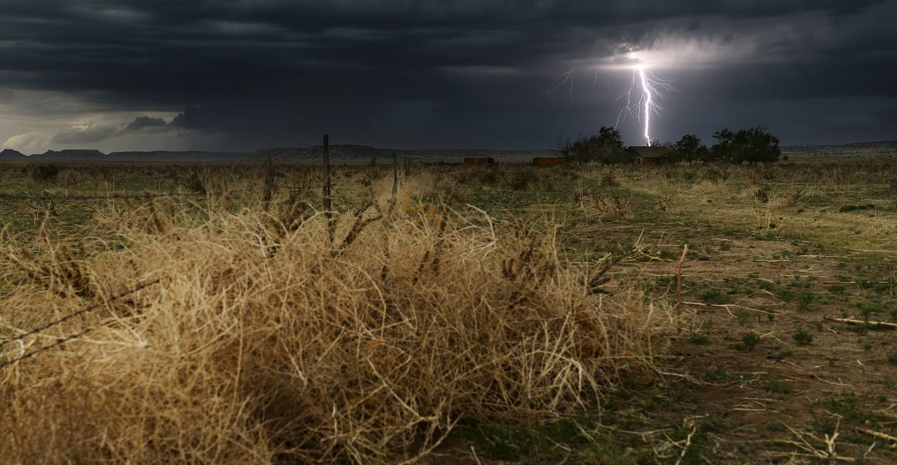 Auch Naturkatastrophen können faszinieren: Die Tornado Hunter wagen sich sogar ins Auge des Sturms ...