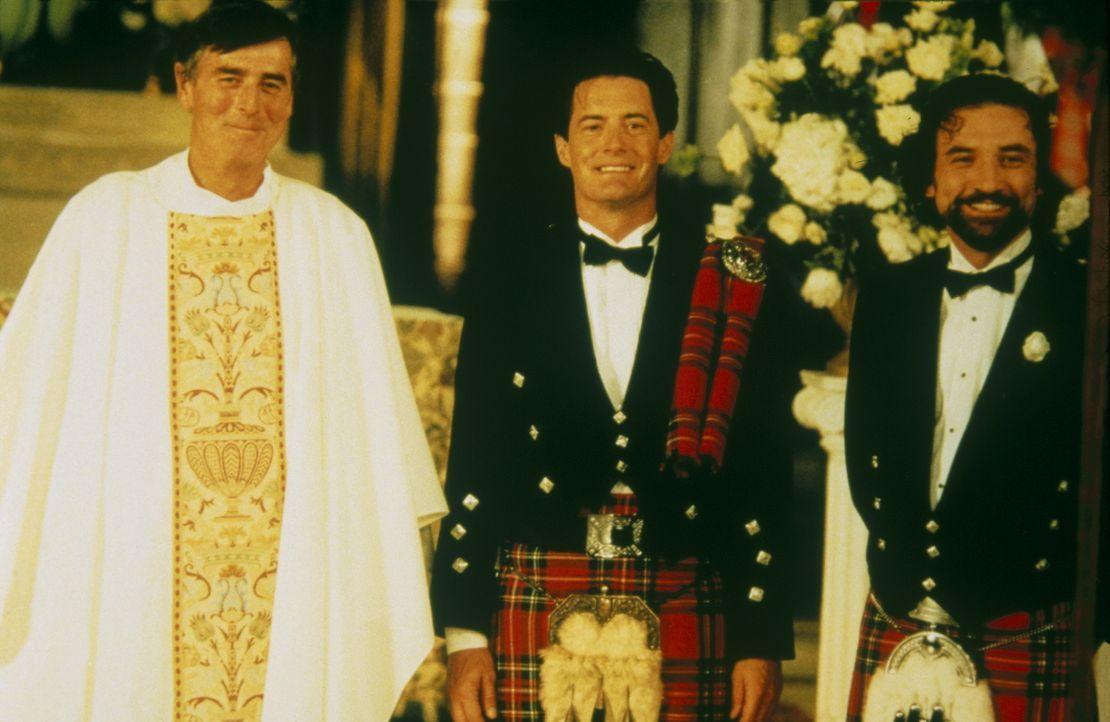 Erwartungsvoll steht Trey (Kyle MacLachlan, M.) parat, um Charlotte zu ehelichen. - Bildquelle: Paramount Pictures