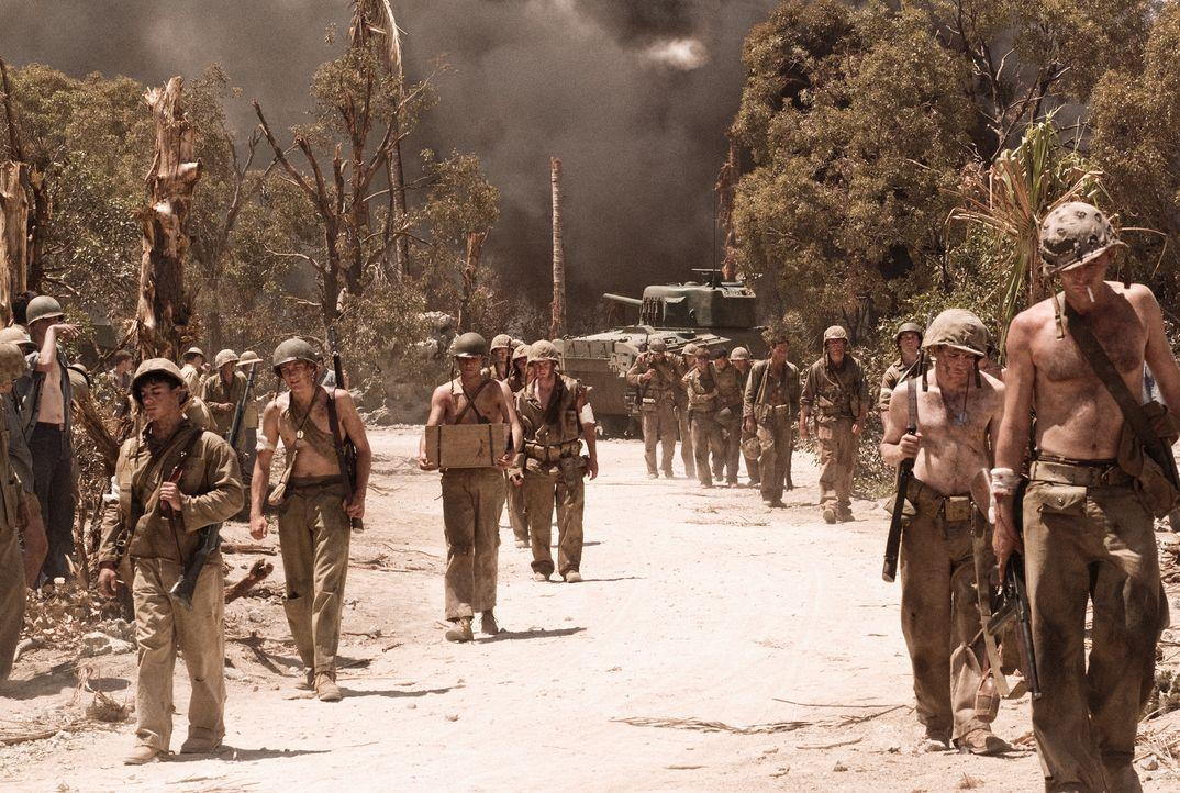 Die amerikanischen Soldaten verlassen den Ort des Schreckens ... - Bildquelle: Home Box Office Inc. All Rights Reserved.