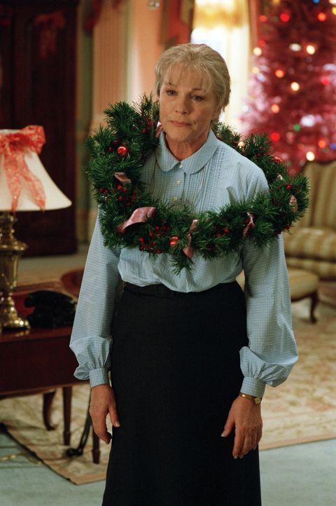 Immer wieder sorgt Nannys (Julie Andrews) Schützling Eloise für ziemliche Aufregung in dem vornehmen Plaza Hotel ... - Bildquelle: DiNovi Pictures