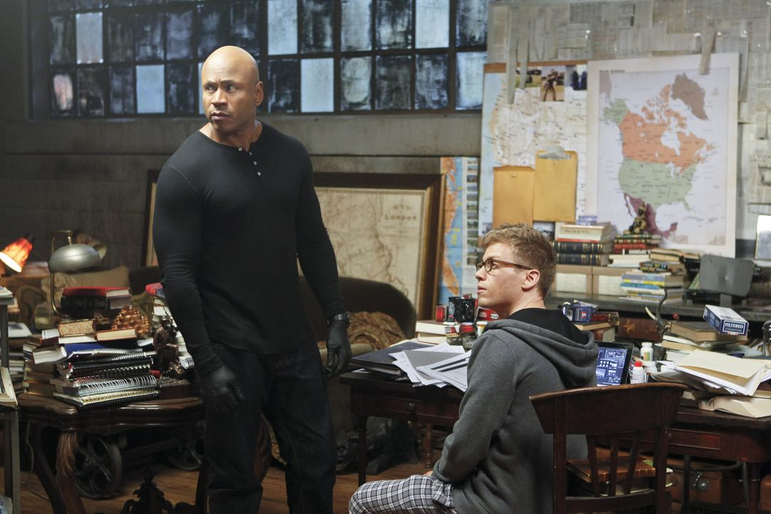 Ermitteln in einem neuen Fall: Sam (LL Cool J, l.) und Eric (Barrett Foa, r.) ... - Bildquelle: CBS Studios Inc. All Rights Reserved.