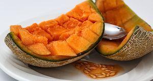 Die Honigmelone ist reich an Beta-Carotin, Kalkum und Mineralstoffen.