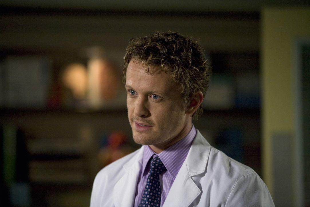 Im Einsatz, um Leben zu retten: Dr. Simon Brenner (David Lyons) ... - Bildquelle: Warner Bros. Television