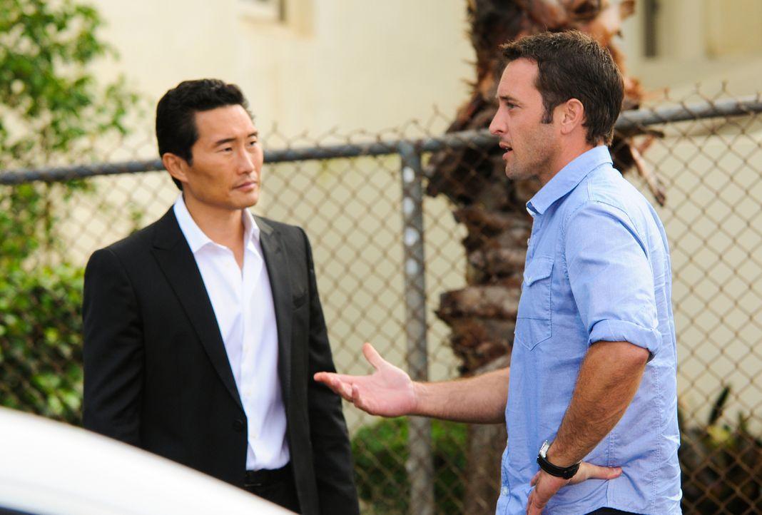 Bei den Ermittlungen in einem neuen Mordfall: Chin (Daniel Dae Kim, l.) und Steve (Alex O'Loughlin, r.) ... - Bildquelle: 2013 CBS Broadcasting Inc. All Rights Reserved
