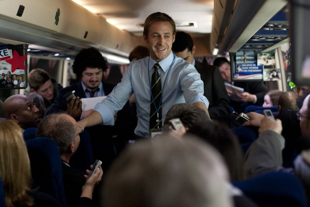 Als Wahlkampfmanager ist Stephen Meyers (Ryan Gosling, M.) scheinbar mit allen Wassern gewaschen. Er setzt alles daran, Gouverneur Mike Morris bei d... - Bildquelle: Saeed Adyani 2011 IDES FILM HOLDINGS, LLC. ALL RIGHTS RESERVED.
