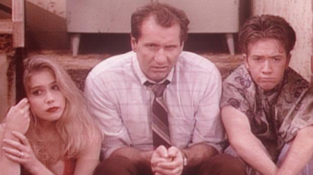 Kelly (Christina Applegate, l.), Al (Ed O'Neill, M.) und Bud (David Faustino,...