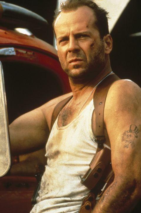 Der New Yorker Polizist John McClane (Bruce Willis) wird von dem Terroristen Simon erpresst, der droht, verschiedene Ziele in Manhattan in die Luft... - Bildquelle: 20th Century Fox