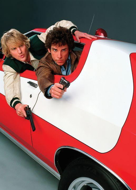 """Sie sind smart und ziemlich cool: Die zwei Cops David Starsky (Ben Stiller, r.) und Ken """"Hutch"""" Hutchinson (Owen Wilson, l.). Ihre Markenzeichen sin... - Bildquelle: Buena Vista International"""