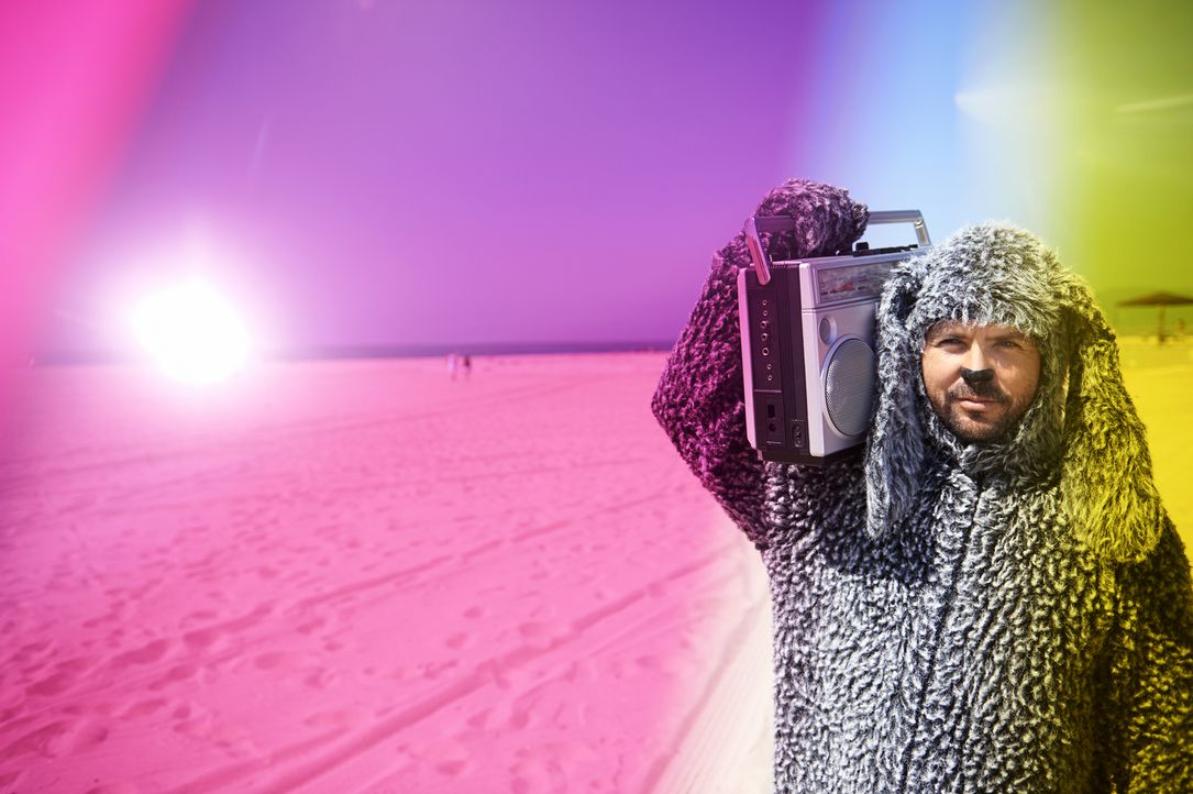 (4. Staffel) - Versucht wieder alles, um Ryan das Leben schwer zu machen: Wilfred (Jason Gann) ... - Bildquelle: 2014 Fox and its related entities.  All rights reserved.