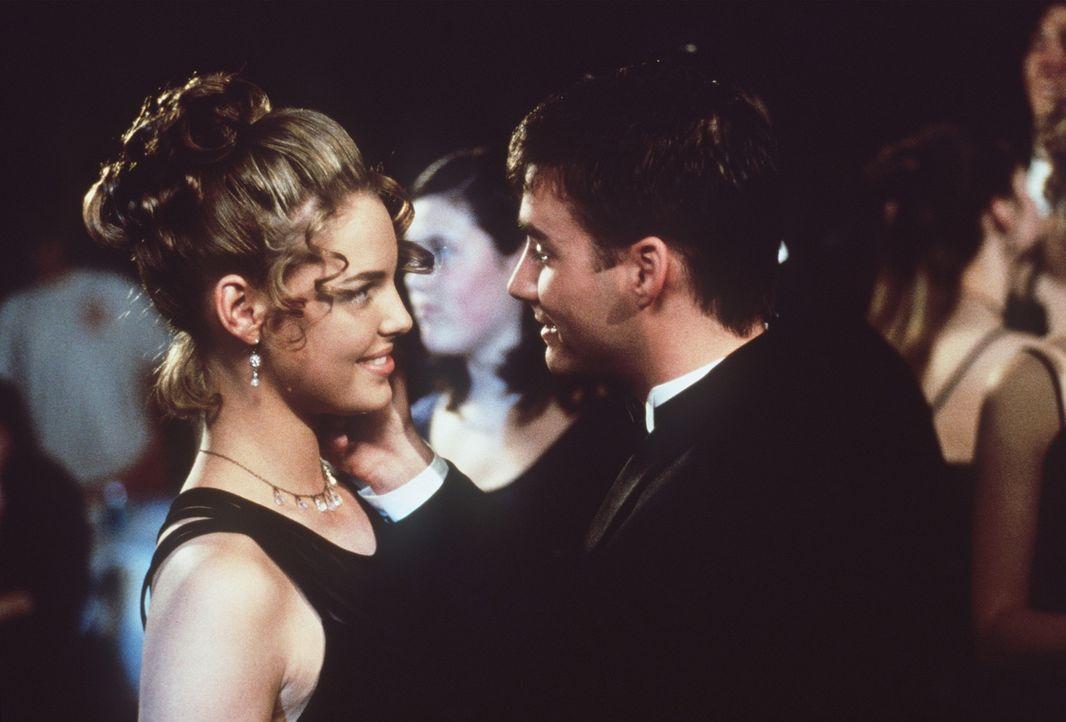 Endlich kann Hayley im Körper von Alexia (Katherine Heigl, l.) ihrem Schwarm Kyle (Don Jeffcoat, r.) näherkommen ... - Bildquelle: Leucadia Film Corporation