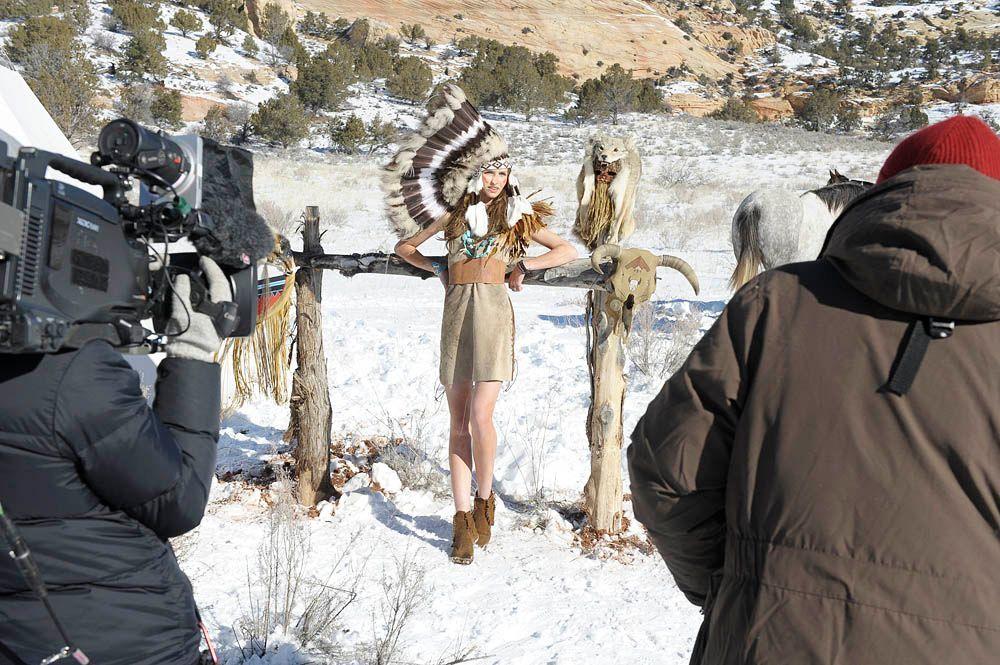 GNTM-Stf09-Epi08-Indianer-Shooting-36-ProSieben-Oliver-S - Bildquelle: ProSieben/Oliver S.
