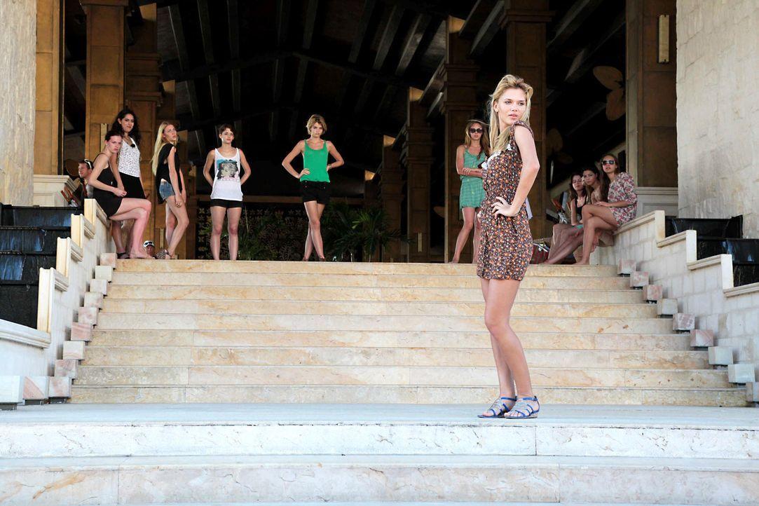 germanys-next-topmodel-stf07-epi09-fashionshow-017-prosiebenjpg 2000 x 1333 - Bildquelle: ProSieben
