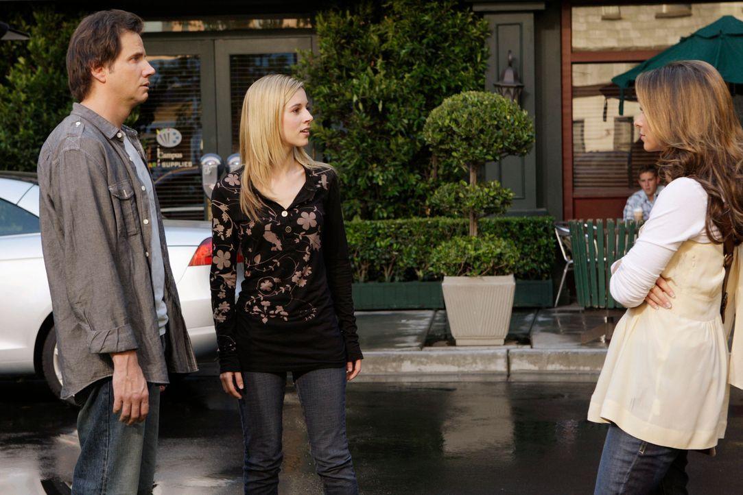 In der Rockland Universität bricht ein Feuer aus, wobei Eli James (Jamie Kennedy, l.) verletzt wird. Jim rettet dessen Leben. Als Melinda (Jennifer... - Bildquelle: ABC Studios