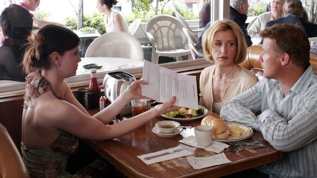 Zum Unbehagen von Lynette (Felicity Huffman, M.) bekommt sie und Tom (Doug Sa...
