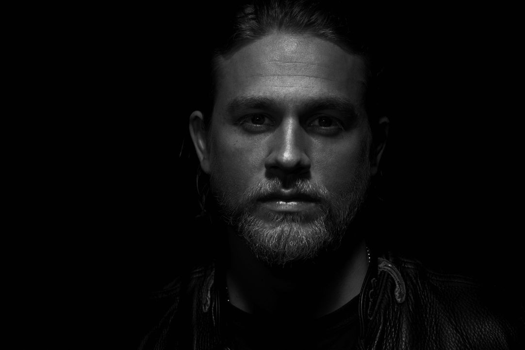 "(6. Staffel) - SONS OF ANARCHY - Jackson ""Jax"" Teller (Charlie Hunnam) - Bildquelle: 2013 Twentieth Century Fox Film Corporation and Bluebush Productions, LLC. All rights reserved."