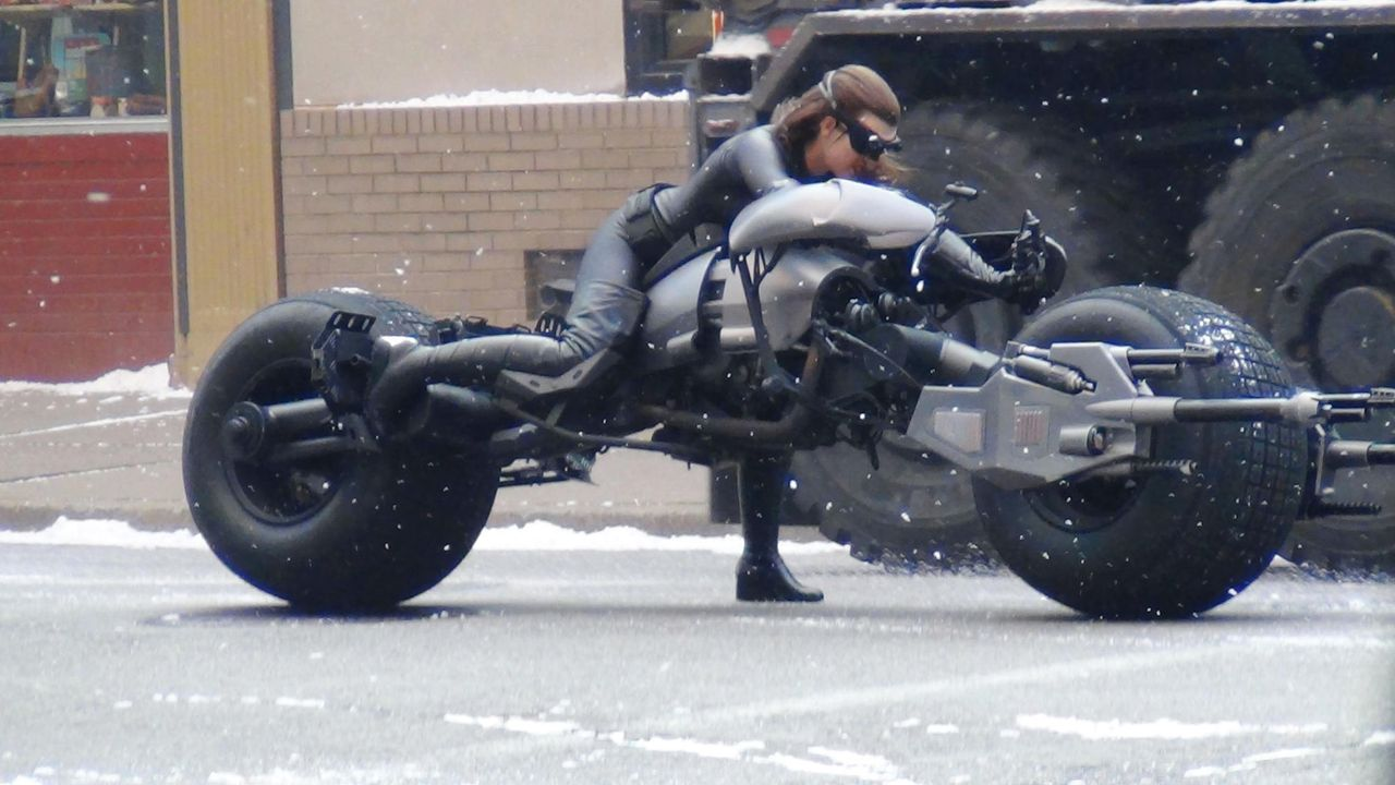 the-dark-knight-rises-set06-double-11-08-14-wennjpg 2000 x 1125 - Bildquelle: WENN