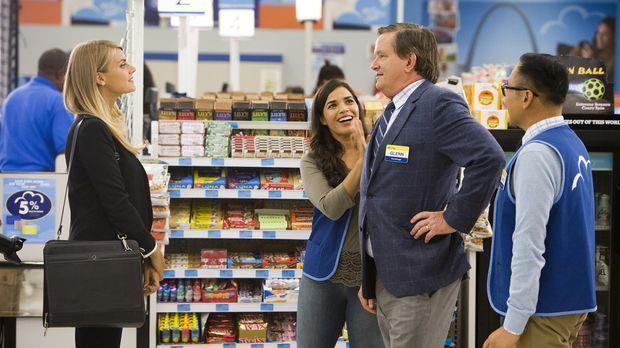 Amy (America Ferrera, 2.v.l.) nimmt Glenn (Mark McKinney, 2.v.r.) den unbehol...