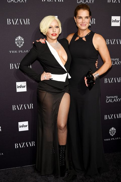 Harpers-Bazaar-Lady-Gaga-Brooke-Shields-14-09-05-getty-AFP - Bildquelle: getty-AFP