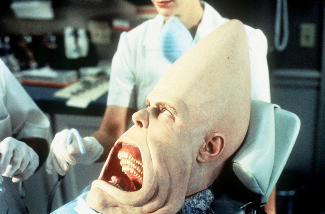 Die private Zahnbehandlungs - Zusatzversicherung hat sich für den gewissenhaften Beldar (Dan Aykroyd) auf jeden Fall rentiert ... - Bildquelle: Paramount Pictures
