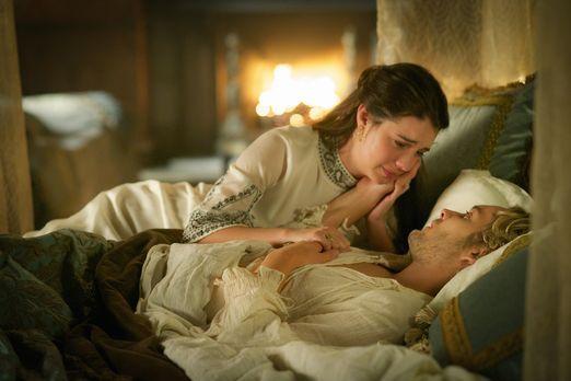 Reign - Nachdem Mary (Adelaide Kane, oben) ein Nachricht von ihrer Mutter übe...