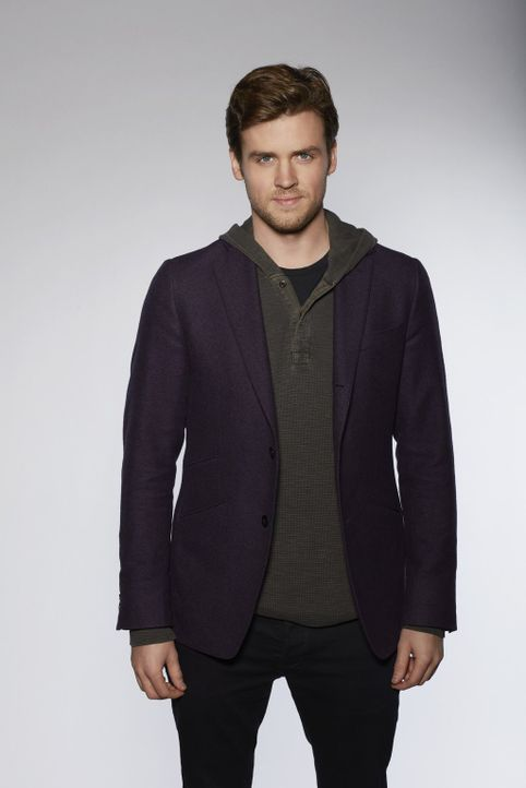(1. Staffel) - Als seine Showkarriere durch einen Skandal ruiniert wird, findet Magier Cameron Black (Jack Cutmore-Scott) im FBI einen neuen Arbeitg... - Bildquelle: Warner Bros.